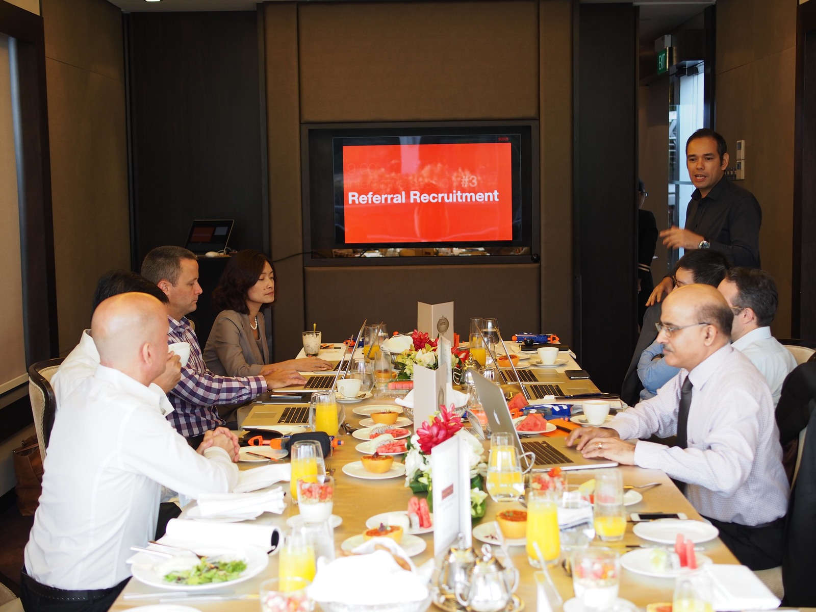 HR Leadership Roundtable in Singapore by Maximum - Employer Branding